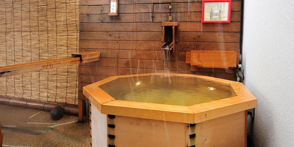 露天風呂 石の湯